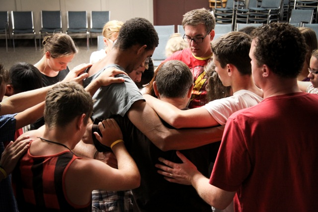 P&E SOAR Vancouver Rick Friesen team praying