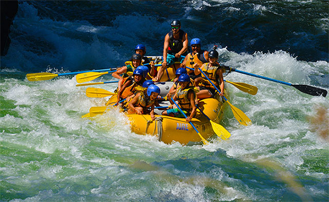 Gardom Lake - White water rafting
